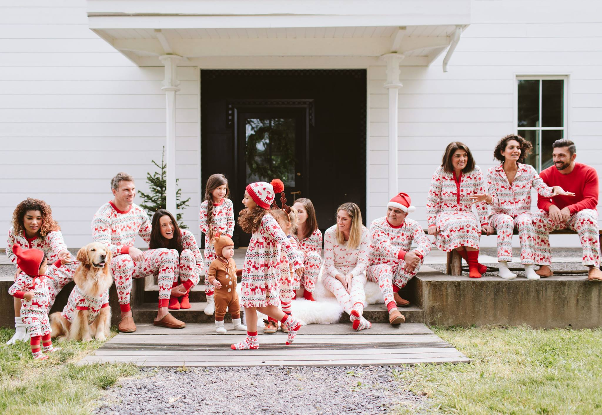 Want to win some FREE pajamas from Hanna Andersson? They are giving away $500 gift cards to 5 lucky winners.